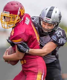 Gridiron Victoria: Jordan Di Mizio making a tackle X League, Tackle Football, Outdoor Family Photography, American Football League, Professional Photography, Sports Women, Football Helmets, Victoria, Female