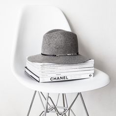 noirprada:    Fashion Blog • xxx • Promo