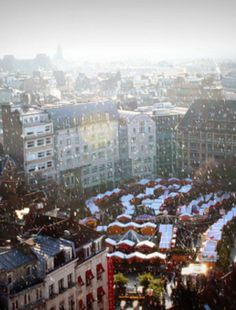 Christmas Market in Lille, France >>> I love this image. So dreamy. :)