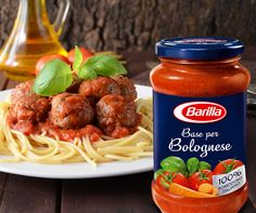 Italian chefs around the world consider a dish to be authentic only if the ingredients are sourced directly from Italy. And sorry, no exceptions. But there's a solution. Barilla's Bolognese recipe is all you need to create a traditional Bolognese sauce. One of the most popular of all Italian sauces, Barilla's Bolognese contains 100% Italian tomatoes and is prepared with no added preservatives