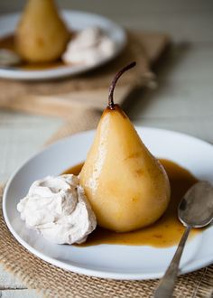 Chai Poached Pears with Cinnamon Whipped Cream from http://www.ohmyveggies.com