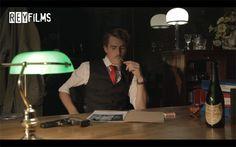 """Cortometraje """"La Piel de Victoria"""" Gastón (Hugo Alejo) en su Oficina. Escena Oficina de Gastón."""