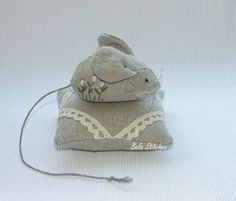 linen pincushions by Bela Stitches, via Flickr