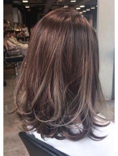Hair Bob Medium Highlights Ideas in 2020 Haircuts For Medium Hair, Medium Hair Cuts, Medium Hair Styles, Short Hair Styles, Brown Hair With Highlights, Hair Color Highlights, Ulzzang Hair, Langer Bob, Long Brown Hair