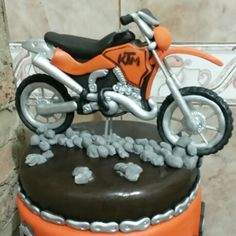 Motocross Motorbike Cake, Motorcycle, Motocross, Dirt Bike Cakes, Motorbikes, Fondant, Biscuits, Birthdays, Cake Ideas