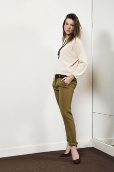 Khaki Pants, Suits, Clothing, Fashion, Outfits, Moda, Khakis, Fashion Styles, Fasion