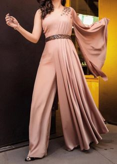 Jumpsuits For Women Are Back! is part of Dresses - Show you how to combine them and which colors are the most popular these days So, if you ready let's have a look at these stylish jumpsuits for women Indian Designer Outfits, Indian Outfits, Designer Dresses, Designer Clothing, Look Fashion, Indian Fashion, Stylish Dresses, Fashion Dresses, Hijab Fashion