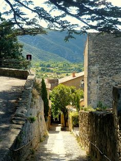 Village of Bonnieux, Provence France ~ I'm moving ASAP !! OMG it looks so peaceful.