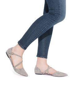 Grey is the go-to neutral for spring! The pointed toe on these flats is great for elongating your legs without a heel