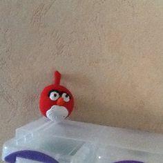 Angry bird.  Ongeveer 5,5 cm groot
