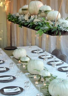 thanksgiving decor ideas white table centerpiece and-upper decor