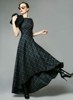 We love this tartan maxi dress! We love this tartan maxi dress! We love this tartan maxi dress! Pretty Outfits, Pretty Dresses, Beautiful Outfits, Mode Tartan, Tartan Dress, Tartan Wedding Dress, Scottish Wedding Dresses, Tweed Dress, Tartan Fashion