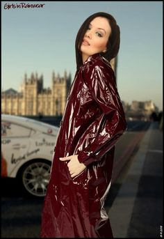 Raincoats For Women WomenS Jackets Info: 5699511639 Red Raincoat, Vinyl Raincoat, Raincoat Jacket, Hooded Raincoat, Plastic Raincoat, Raincoats For Women, Jackets For Women, Rain Fashion, Sexy Women