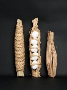 collectorandco:  eggs wrapped in rice straw / japanese packaging