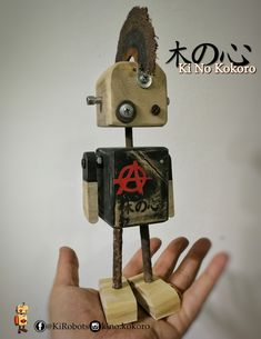 robot artesanal punk. fabricado con materiales re utilizados Recycled Robot, Recycled Art, Homemade Robot, Wood Projects, Woodworking Projects, Wood Craft Patterns, Retro Robot, Wood Animal, Bird Boxes