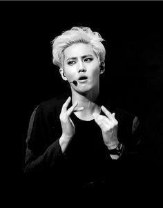 "EXO suho BW ""Whoaaa"" O_O #joonmyun"