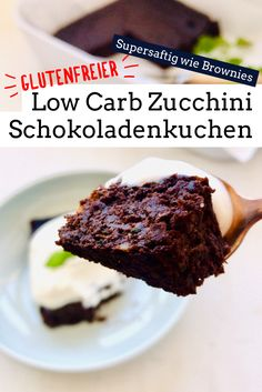 Low Carb Zucchini Scholadenkuchen That a sugar-free zucchini cake times the darling of the family, I would not have thought … but he is so juicy and delicious, he deserves! As always super easy and gluten free. carb free Source by Holladiekochfee Healthy Low Carb Recipes, Healthy Cake, Healthy Dessert Recipes, Low Carb Desserts, Cake Recipes, Healthy Brownies, Avocado Dessert, Sugar Free Zucchini Cake, Snickers Bars Recipe
