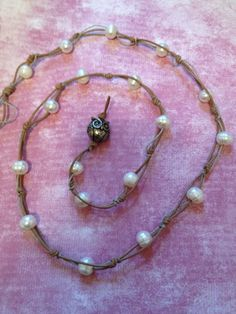 I want to start beading again!  And this looks simple - bead night anyone?