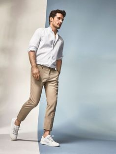 27 Trendy Ideas For Style Vestimentaire Homme Printemps Chinos Men Outfit, Khaki Pants Outfit, Outfit Jeans, Beige Outfit, Mode Man, Stylish Mens Outfits, Winter Outfits Men, Outfit Winter, Herren Outfit