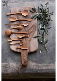 Spoons, chopping board. Made in Morocco.