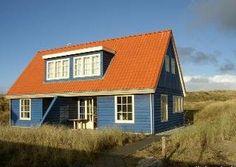 Vlieland- Vakantiehuis Windekind is geschikt voor 5 personen. Het huis heeft veel sfeer en ruimte en ligt op 5 minuten lopen van het strand.
