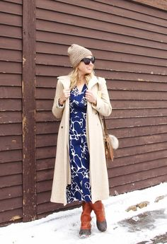 @bosfashionista keeps fashion fun in the cold with a dark blue H&M patterned dress. | H&M OOTD