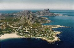 Rooi Els (with Pringle Bay in the background) - about 20 min drive along Clarence Drive from Gordons Bay. South Afrika, Namibia, Nature Reserve, Pilgrimage, Countries Of The World, Holiday Destinations, Aerial View, Cape Town, Continents