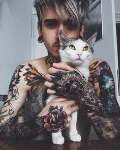 https://www.instagram.com/heyigormiralo/ Meninas Tumblrs, Praying Hands Tattoo, Girls With Sleeve Tattoos, Life Tattoos, Sexy Tattoos, Cool Tattoos, Unique Tattoos, Unique Tattoo Designs, Beautiful Tattoos