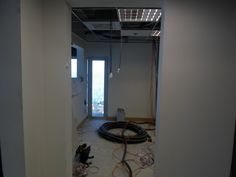 Gesso. Paredes em gesso acartonado, criando novos ambientes (salas) em empresa no Rio Sul.