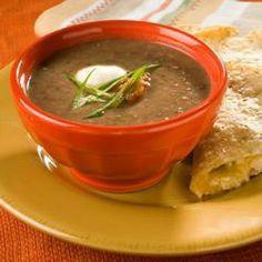 Sopa de frijoles negros con salsa @ allrecipes.com.mx