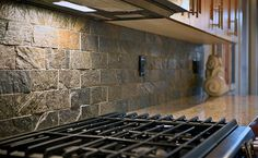 slate backsplash ideas pictures | Shiny & Rough Surface Subway Slate Backsplash Tile Idea