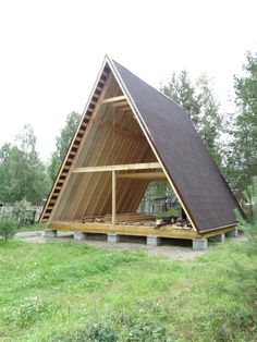 A-shaped house. A-frame house hut. Tiny House Cabin, Cabin Homes, Tiny House Plans, Cabin Design, Tiny House Design, A Frame Cabin Plans, Triangle House, Forest House, Wooden House