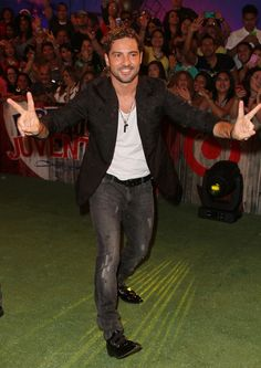 David Bisbal Photos: Arrivals at the Premios Juventud
