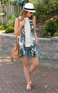 A perfect day look, if you can pull off this length of shorts.