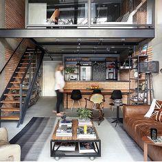 Loft no estilo industrial e mega aconchegante  (Projeto Si Saccab | Foto Mariana Orsi)  decorechic @decor.lifestyle