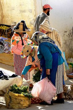 Market Day, Chefchaouen, Morocco.  Photo: profas_vln, via Flickr