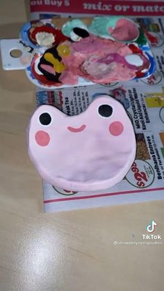 Pottery Painting Designs, Pottery Art, Polymer Clay Crafts, Diy Clay, Keramik Design, Clay Art Projects, Ideias Diy, Cute Clay, Fun Diy Crafts