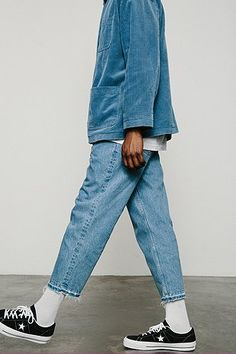 BDG Crispin Washed Blue Relaxed Raw Hem Jean - Urban Outfitters