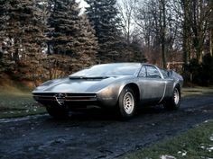"""Alfa Romeo Iguana"""" -conceptcar, which debuted at the Turin motor show in 1969. It was the first design Giorgetto Giugiaro of """"Ital Design"""", developed specially for """"Alfa Romeo"""""""