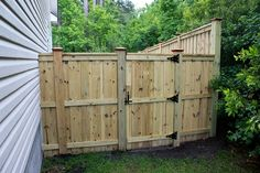 Board on Board Wood Privacy Fence with Gate---Seegars Fence Co