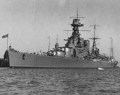 HMS Hood, one of the most beautiful Warship ever built. Capital Ship, Hms Hood, Naval History, Military History, Marina Real, Heavy Cruiser, Air Fighter, Military Pictures, Hale Navy