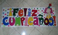 DIY: Afiches de cumpleaños monísimos - trucosymanualidades.com Birthday Box, Happy Birthday, Alphabet Templates, Topper, Origami Art, Diy And Crafts, Birthdays, Doodles, Banner
