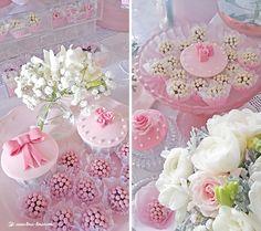 Lima Limão - festas com charme: Muitas rosas para o batizado da Constança! Macarons, Roses, Romantic, Cake, Party, Flowers, Parties, Pie Cake, Macaroons