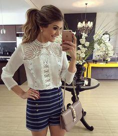 {Saturday} Look todo @jjmodas Muito amor nessa camisa, para usar o dia todo, chique e classica! E o shortinho?  A loja envia para o Brasil viu meninas?! E só tem looks liiiiindos! www.jjmodas.com.br • #lookdodia #lookoftheday #ootd #selfie #blogtrendalert