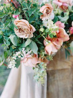 Flowerona Links : With dahlias, houseplants & a studio tour...   Flowerona (Image: Ashley Kelemen)