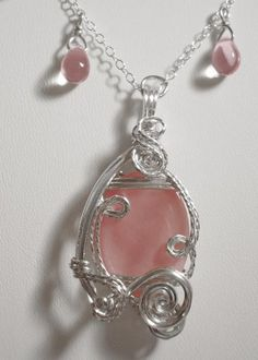 Pink necklace and earrings ... love