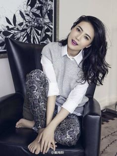 Share, rate and discuss pictures of Yuanyuan Gao's feet on wikiFeet - the most comprehensive celebrity feet database to ever have existed. Girl Pictures, Girl Photos, Gao Yuanyuan, Stylish Work Outfits, Beauty Around The World, Asian Celebrities, Chinese Actress, Beautiful Asian Girls, All About Fashion