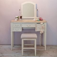 Toaletka beauty in 2019 wntrza wood furniture singer table Built In Furniture, White Furniture, Cheap Furniture, Painted Furniture, Singer Table, Decor Interior Design, Interior Decorating, Makeup Stand, Toddler Table And Chairs