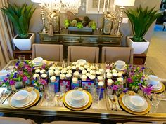 #vintagegiftboxes #elegantdining #flowercreation #flowercouture #floraldesign