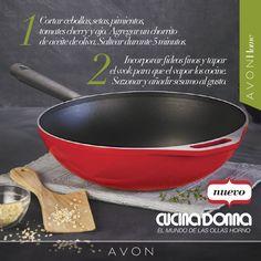 Wok de fideos con setas: una opción rápida y sencilla para ti que te encanta mimar a tu familia con comidas ricas y sanas. ¡Cucina Donna sabe! Argentina: http://avon4.me/1CLskvo | Chile: http://avon4.me/1Lnovj0 | Uruguay: http://avon4.me/1yAwLIy